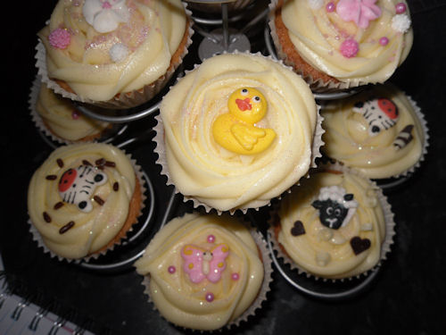 Making Cupcakes using Cake Angels Decorations