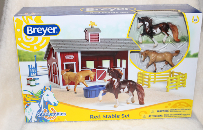 Breyer Stablemates Red Stable Set Review & Giveaway
