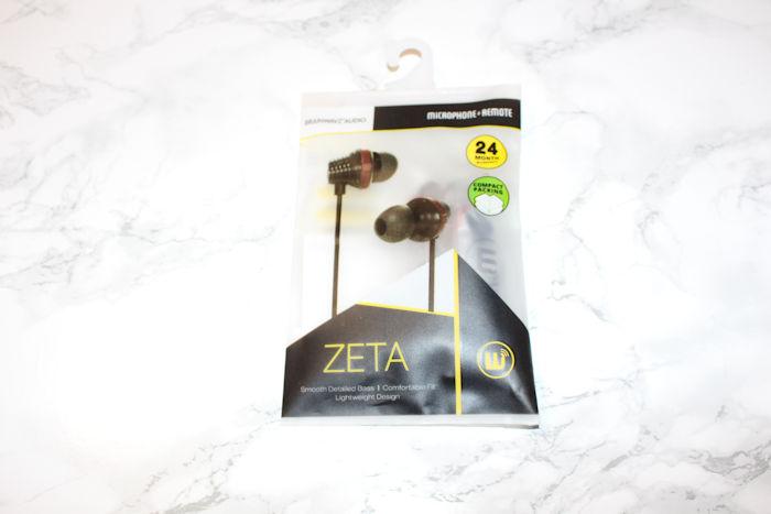 Zeta Earphones in packaging