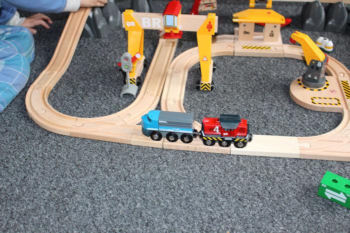 Brio Cargo Railway Duluxe Set cargo train