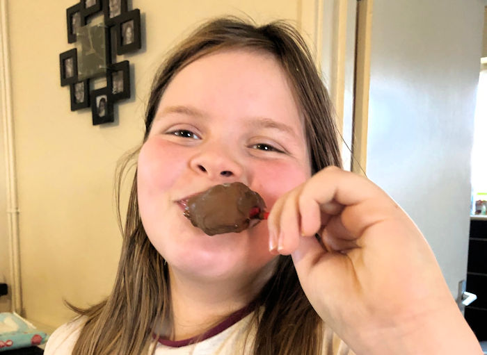 Daughter eating Mr Frosty Choc Ice