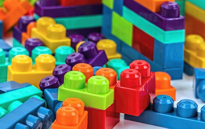 too many toys bricks