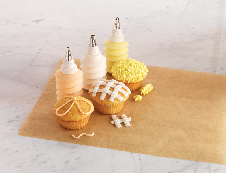 Cake Decorating Pampered Chef : The Pampered Chef Decorator Bottle Set