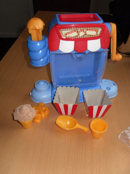 moon dough popcorn machine